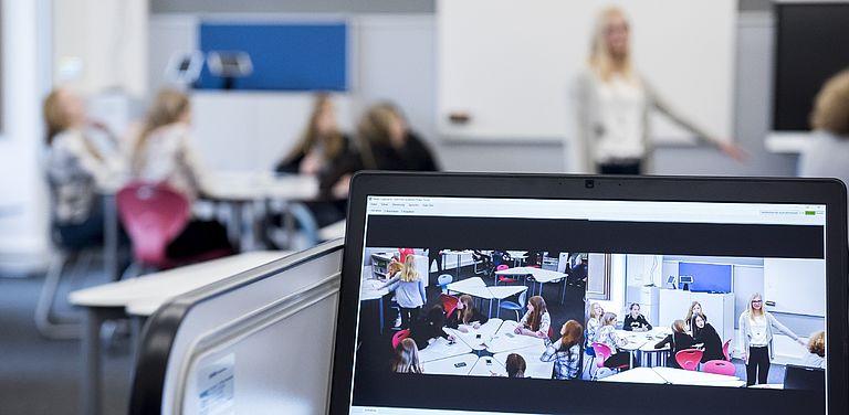 Bild des DiLab Klassenzimmers zum Projekt SKILL.de