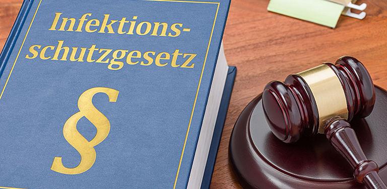 BMBF-Projekt LegEmerge: Juristinnen und Juristen der Universität Passau untersuchen Möglichkeiten für ein bundesweit einheitliches Regelwerk für den Fall eines Gesundheitsnotstandes. Symbolfoto: Adobe Stock
