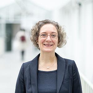 Prof. Dr. Anna Henkel, Inhaberin des Lehrstuhls für Soziologie mit Schwerpunkt Techniksoziologie und nachhaltige Entwicklung an der Universität Passau