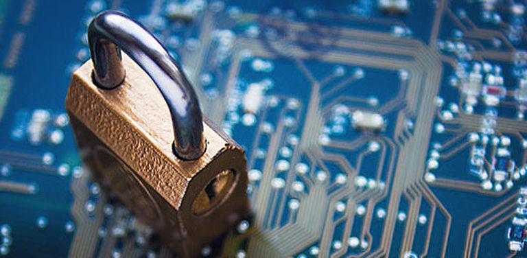 Mit Hilfe von Virtual Machine Introspection können Informatikerinnen und Informatiker Vorgänge wie einen Hackerangriff in virtuellen Systemen beobachten. Symbolbild: Colourbox