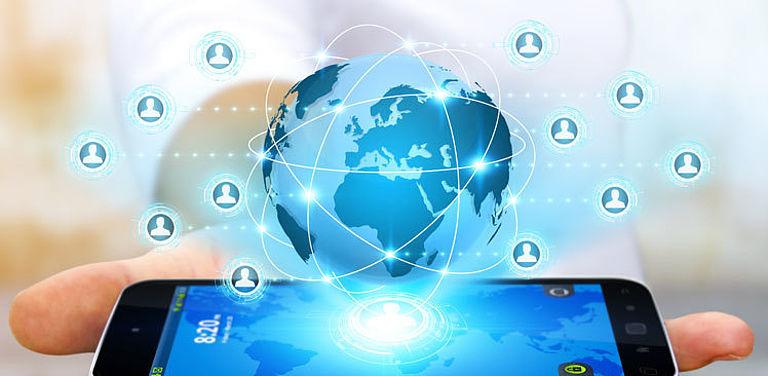 Im Horizon-2020-Projekt HELIOS entwickeln Forscherinnen und Forscher europaweit eine dezentrale Struktur für ein Social-Media-Netzwerk.