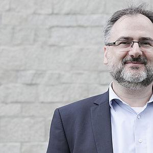 Prof. Dr. Siegfried Handschuh