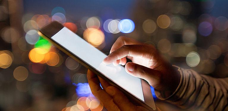 """DFG-Projekt zu """"Business Network Data Exchange"""": Unternehmen tauschen Kundendaten zu Werbezwecken untereinander aus und können zudem neue Produkte und Dienstleistungen entwickeln. Symbolbild: Colourbox"""
