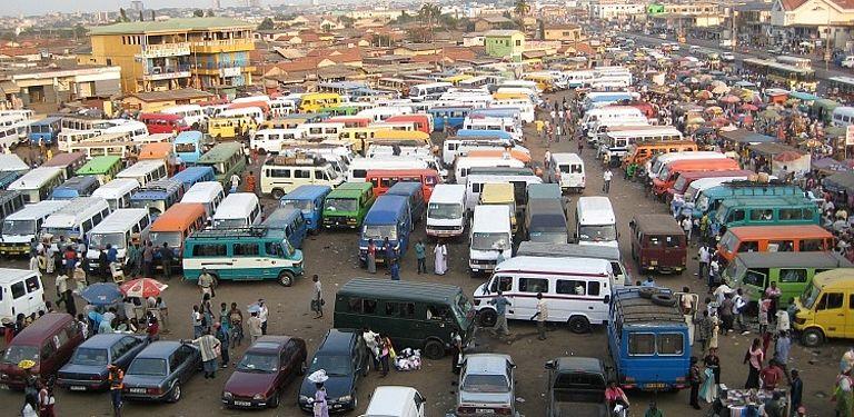 Busstation im Süden Ghanas. Foto: Dr. Christian Ungruhe