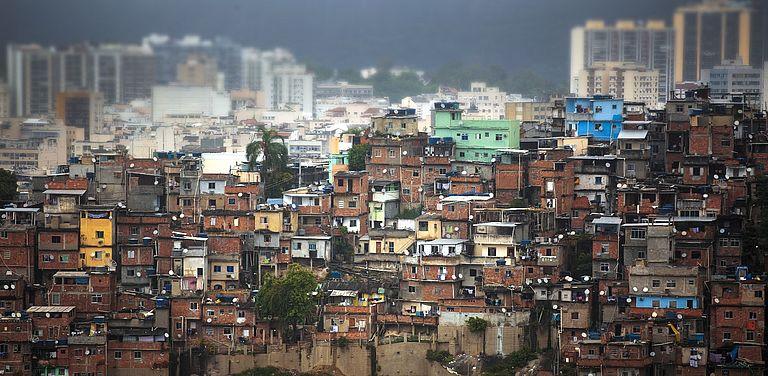 Bild von Favelas in Rio de Janeiro. Symbolbild: Colourbox